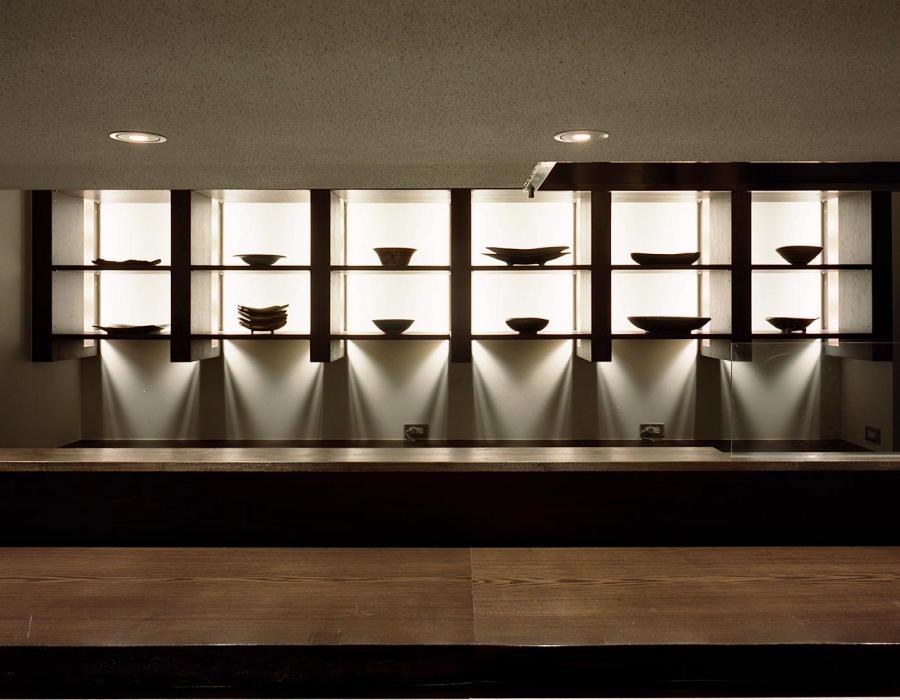 施工事例 某創作和食店様の食器ディスプレイ棚